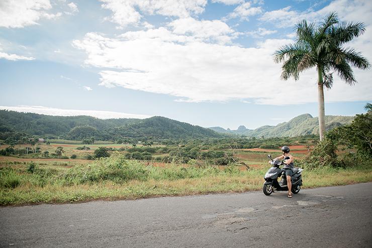Scooter Cuba